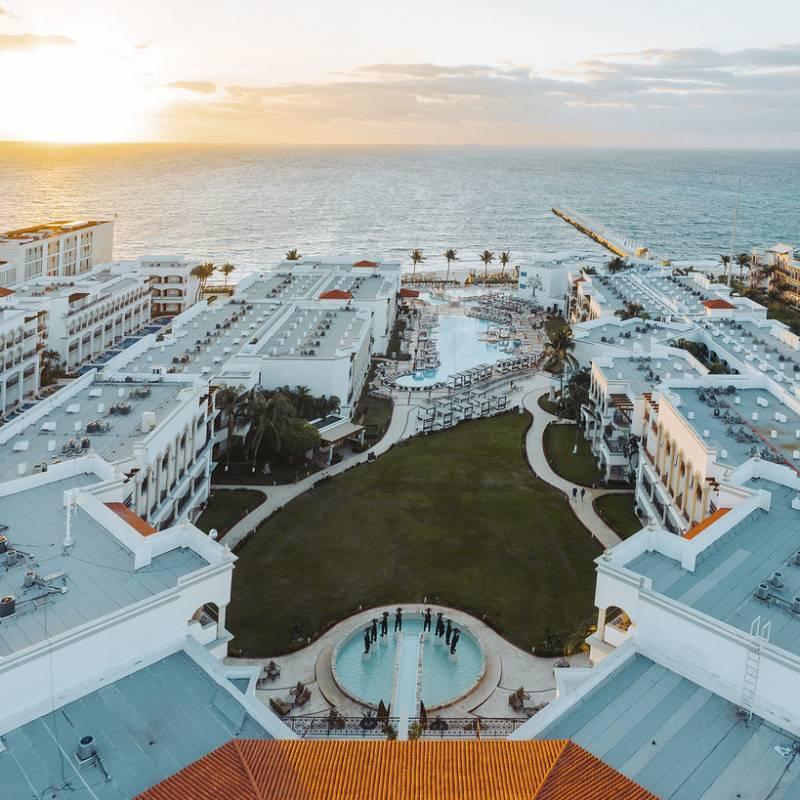 Hilton Playa Del Carmen, Mayan Riviera, a popular romantic getaway